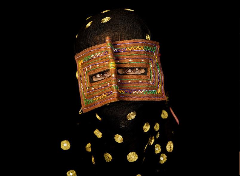 masks18 Традиционные маски у иранских женщин