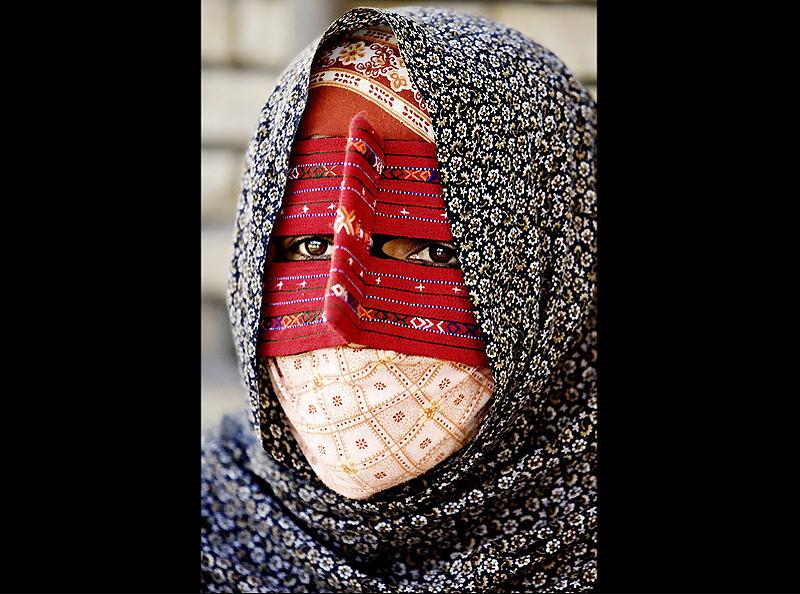 masks19 Традиционные маски у иранских женщин