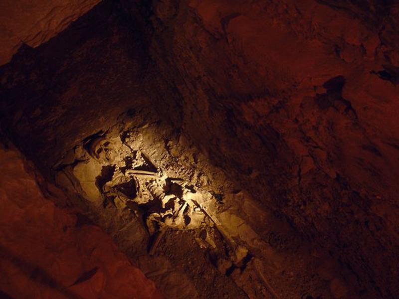 Склепы, усыпальницы и катакомбы