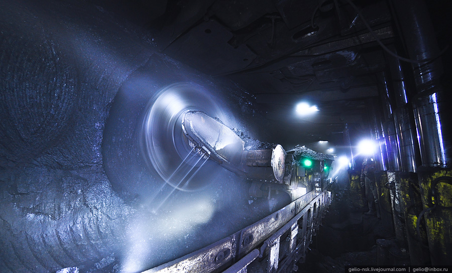 """Кузбасс. Ленинск-Кузнецкий. Угольная шахта """"Имени 7 Ноября"""" [-280м] (2010)"""