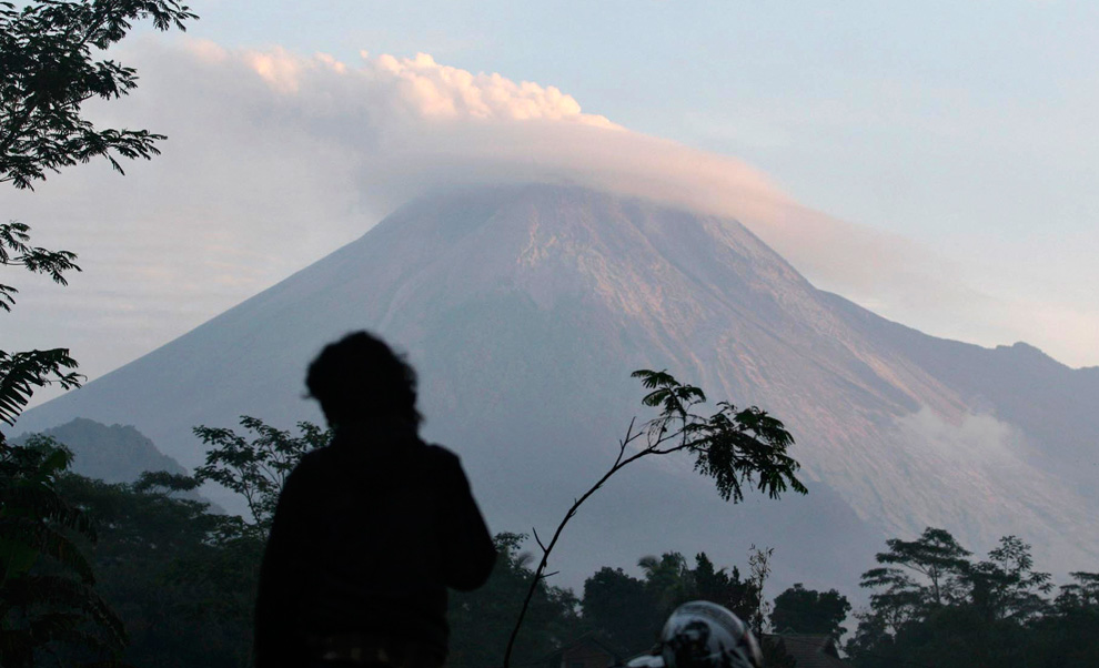Два стихийных бедствия в Индонезии