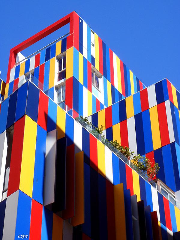 1374 Красочные здания