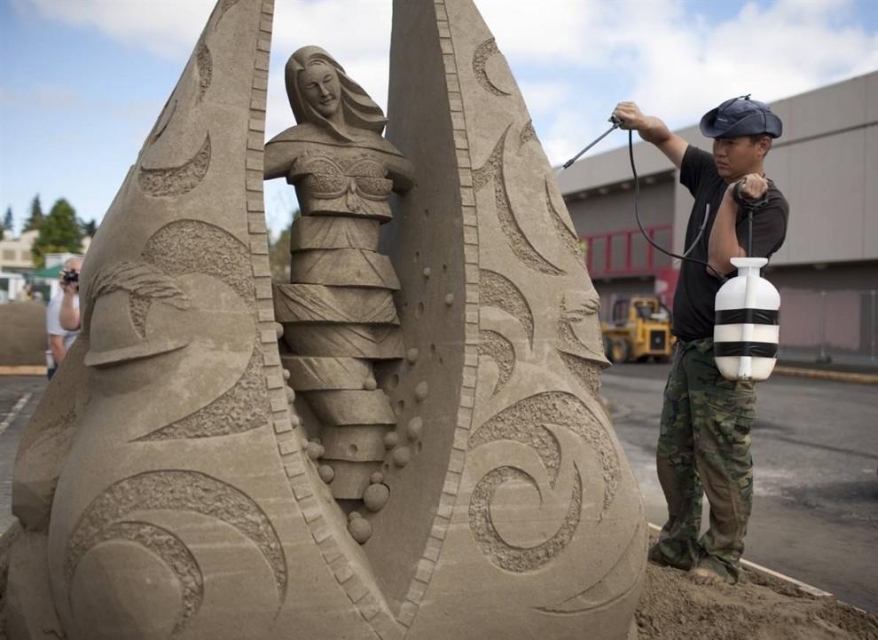 Конкурс скульптур из песка