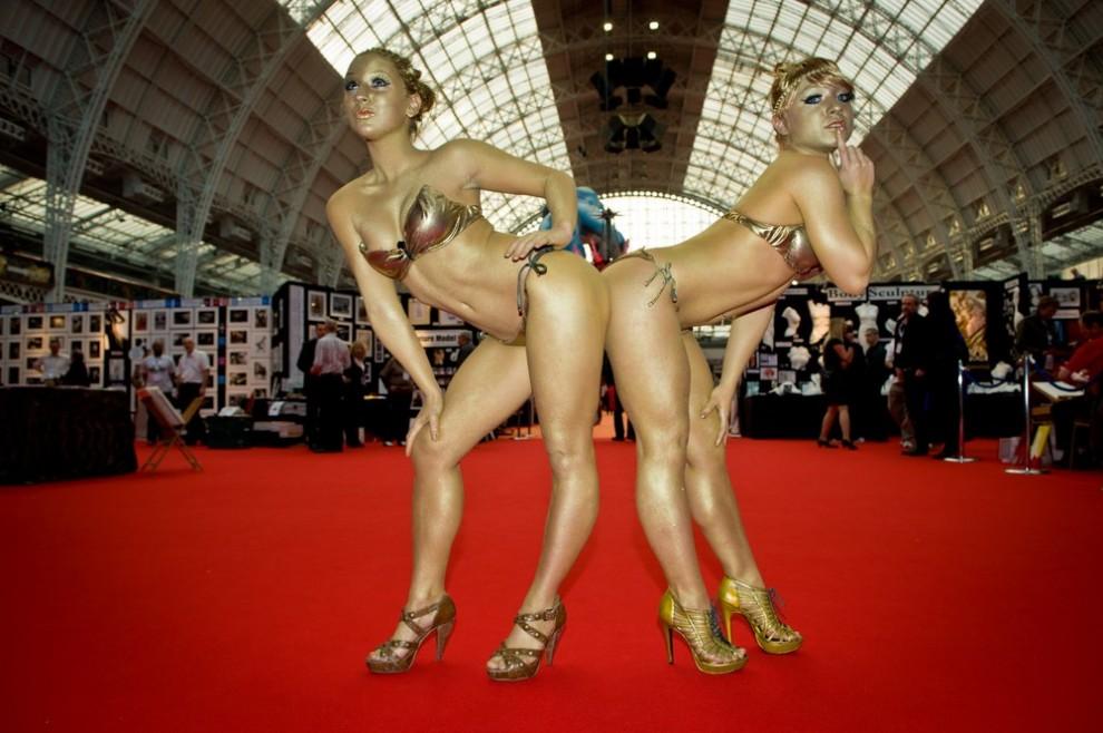 Порно фото выставка