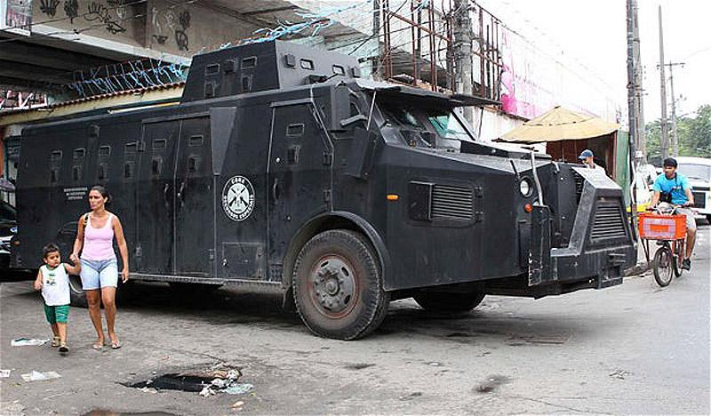 0357 Операция по зачистке трущоб Рио от наркоторговцев