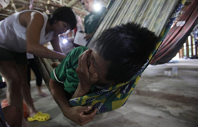 0432 Dokter di belantara hutan tropis di Brazil