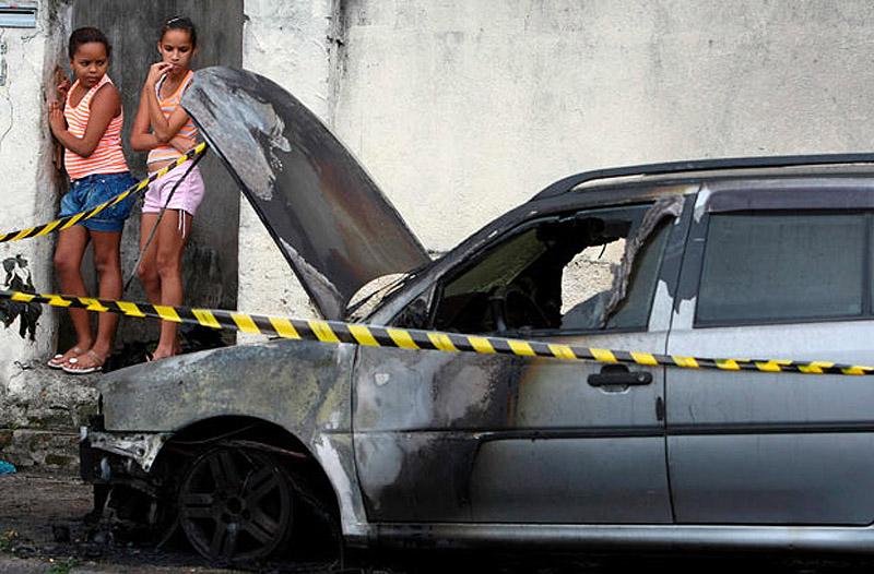 0656 Операция по зачистке трущоб Рио от наркоторговцев