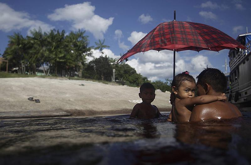 0830 Dokter di belantara hutan tropis di Brazil