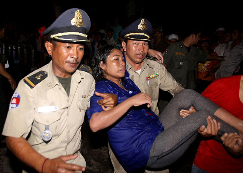 0847 Трагедия на водном фестивале в Камбодже