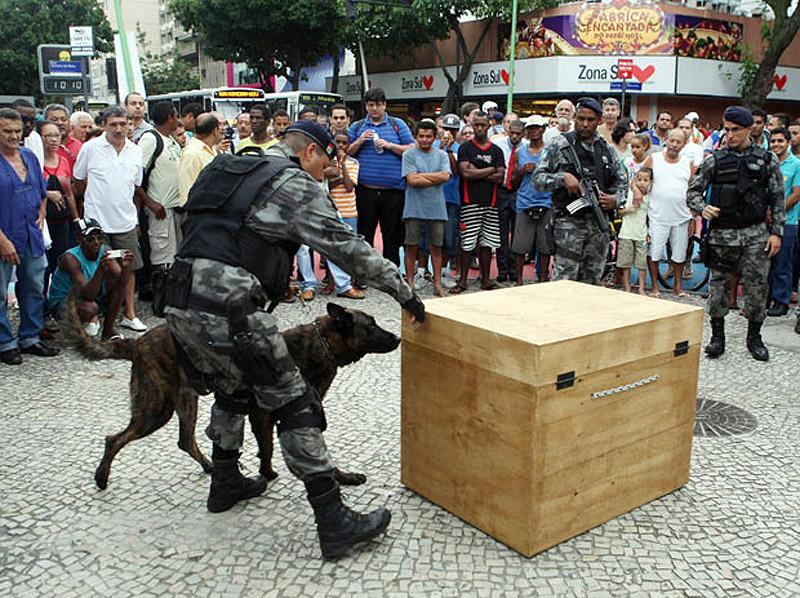 0854 Операция по зачистке трущоб Рио от наркоторговцев