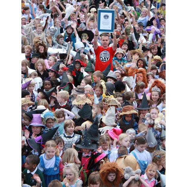 1084 Всемирный день книги рекордов Гиннеса