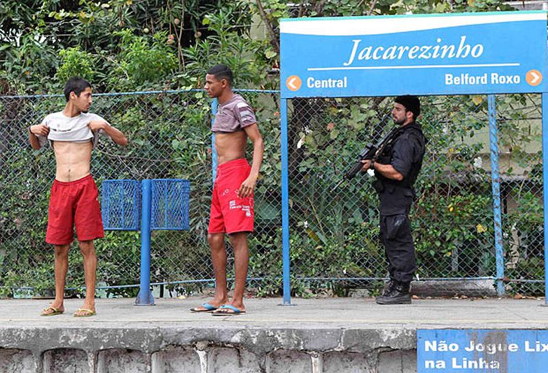 1386 Операция по зачистке трущоб Рио от наркоторговцев
