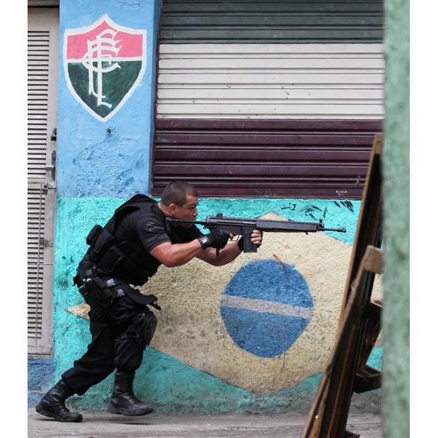 1573 Операция по зачистке трущоб Рио от наркоторговцев