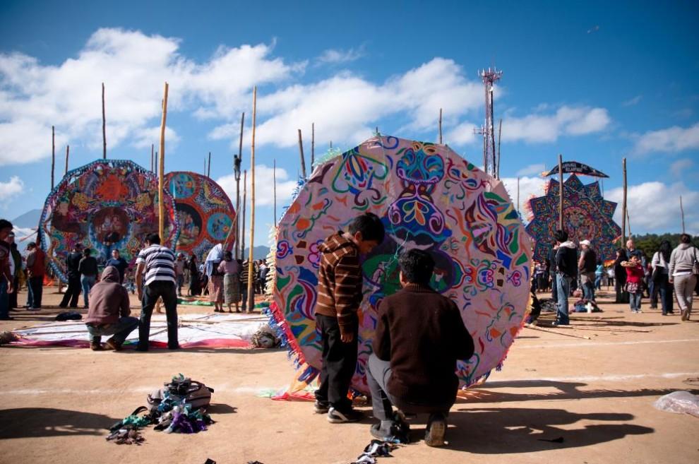 2144 990x657 Гватемала: фестиваль воздушных змеев