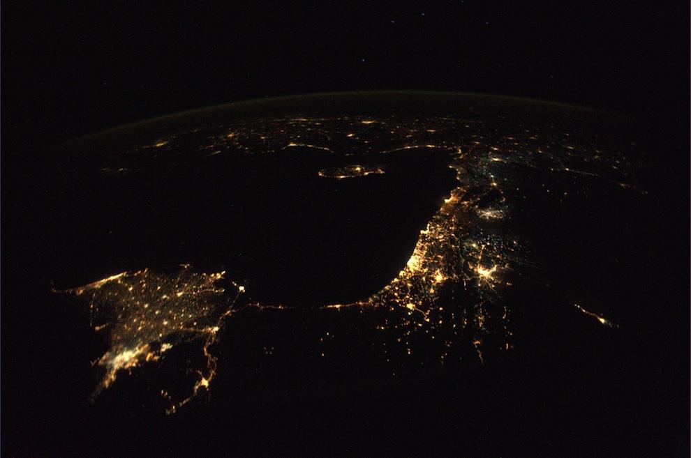 ночной крым из космоса фото должен был
