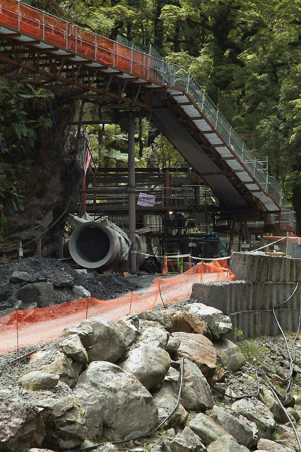 38680030 Гибель шахтеров под завалом в Новой Зеландии