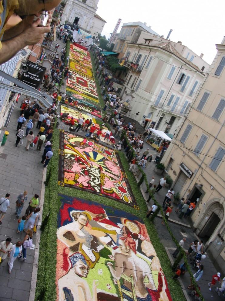 5 742x990 Цветочные ковры Италии