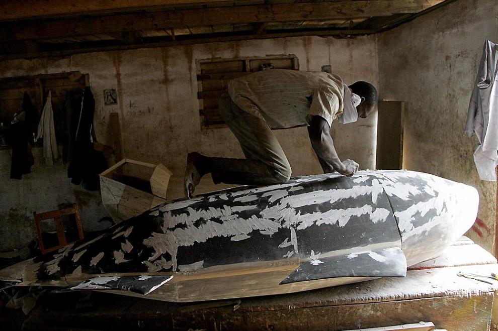 coffin7 990x659 Необыкновенные гробы из Ганы