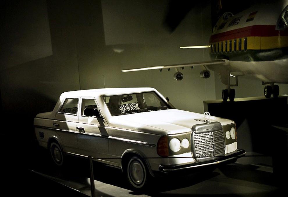 coffin9 990x676 Необыкновенные гробы из Ганы