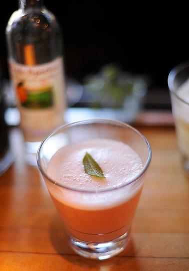 Как готовить персиковый бренди (ФОТО)