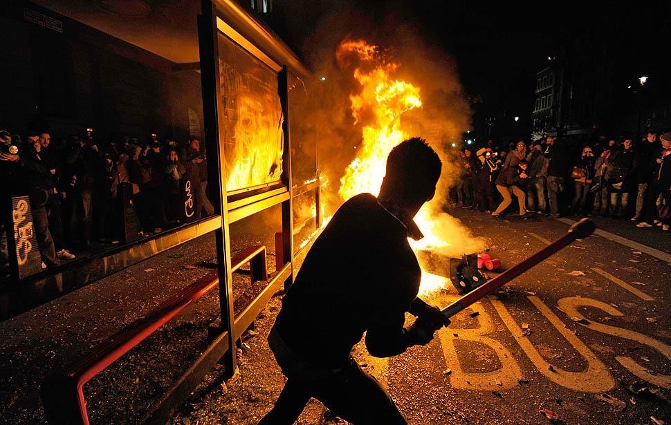london protest01 Студенческие беспорядки в Лондоне продолжаются