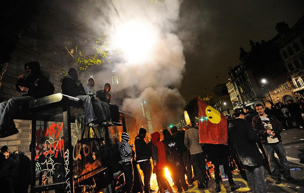 london protest02 Студенческие беспорядки в Лондоне продолжаются