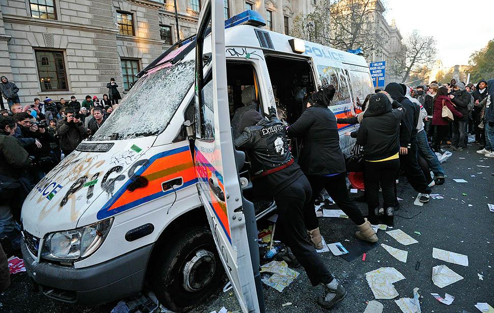 london protest07 Студенческие беспорядки в Лондоне продолжаются