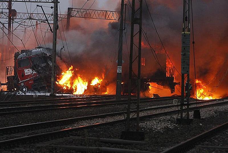 poland2 Взрыв цистерн с нефтепродуктами в Польше