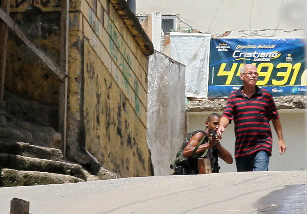 r09 2610 Нарковойна в Рио