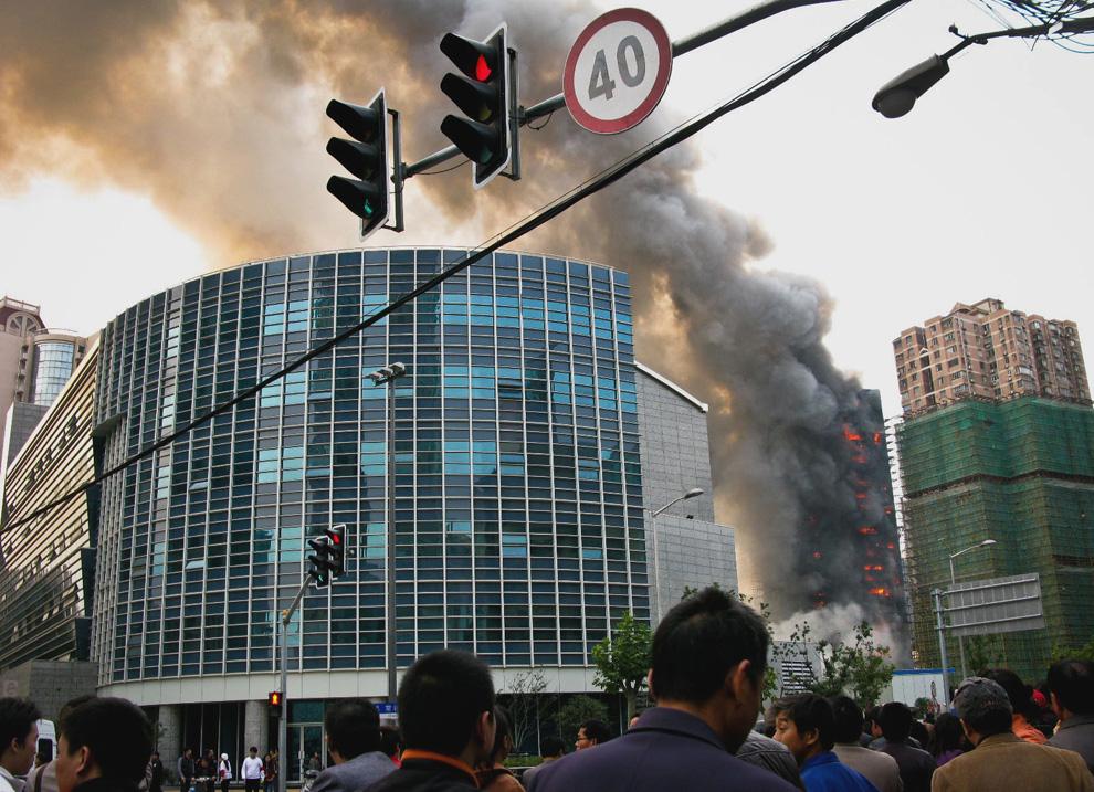 s03 2595 Пожар в шанхайском жилом доме