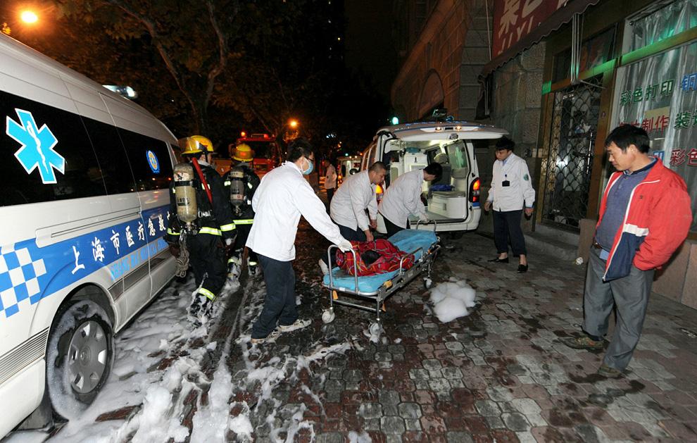 s15 2595 Пожар в шанхайском жилом доме