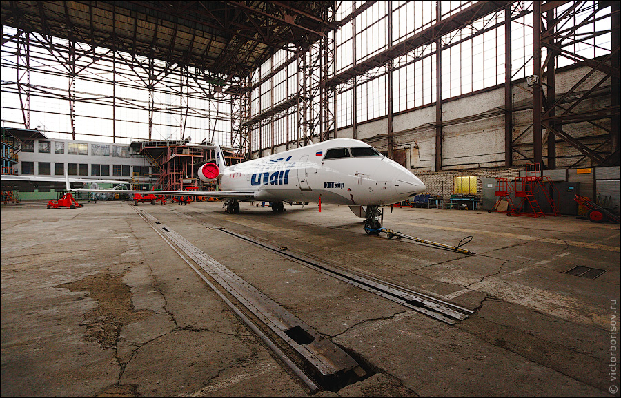 1451 Как обслуживают и ремонтируют самолеты