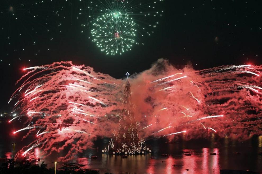 1911 990x660 Рождественские огни в разных странах мира