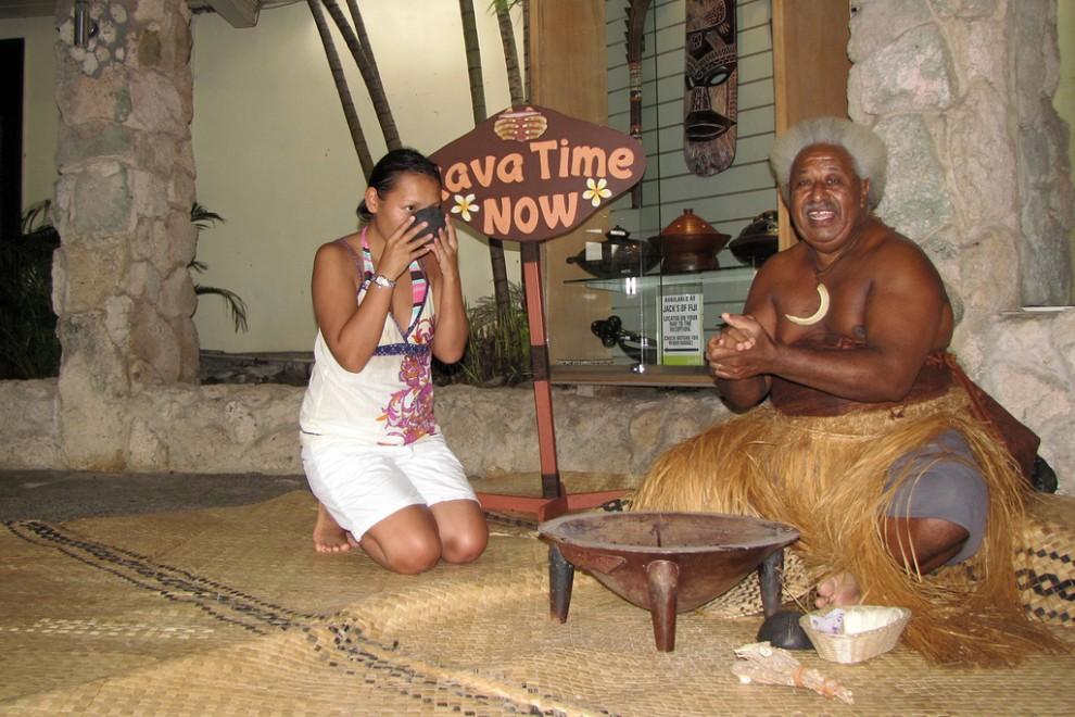 Жила-была Девочка однажды в Фиджи...