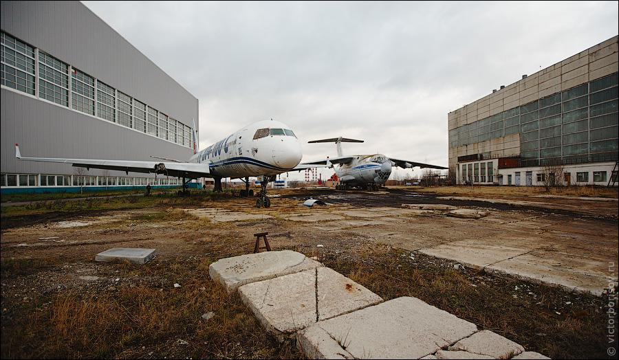 2136 Как обслуживают и ремонтируют самолеты