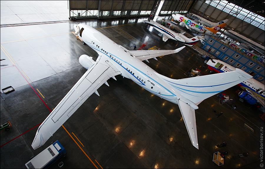 2424 Как обслуживают и ремонтируют самолеты