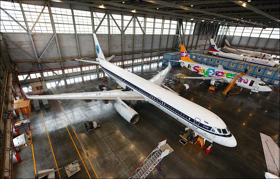 2913 Как обслуживают и ремонтируют самолеты