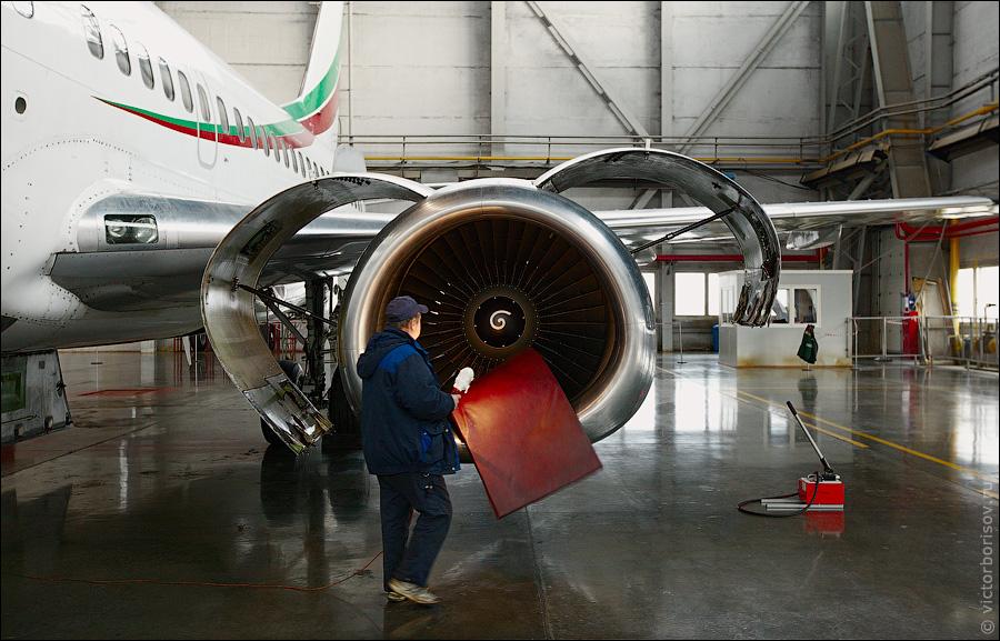 3118 Как обслуживают и ремонтируют самолеты