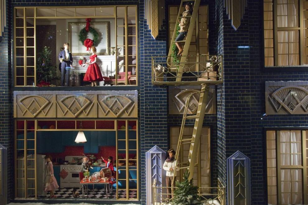 420 990x660 Рождественские витрины магазинов Нью Йорка