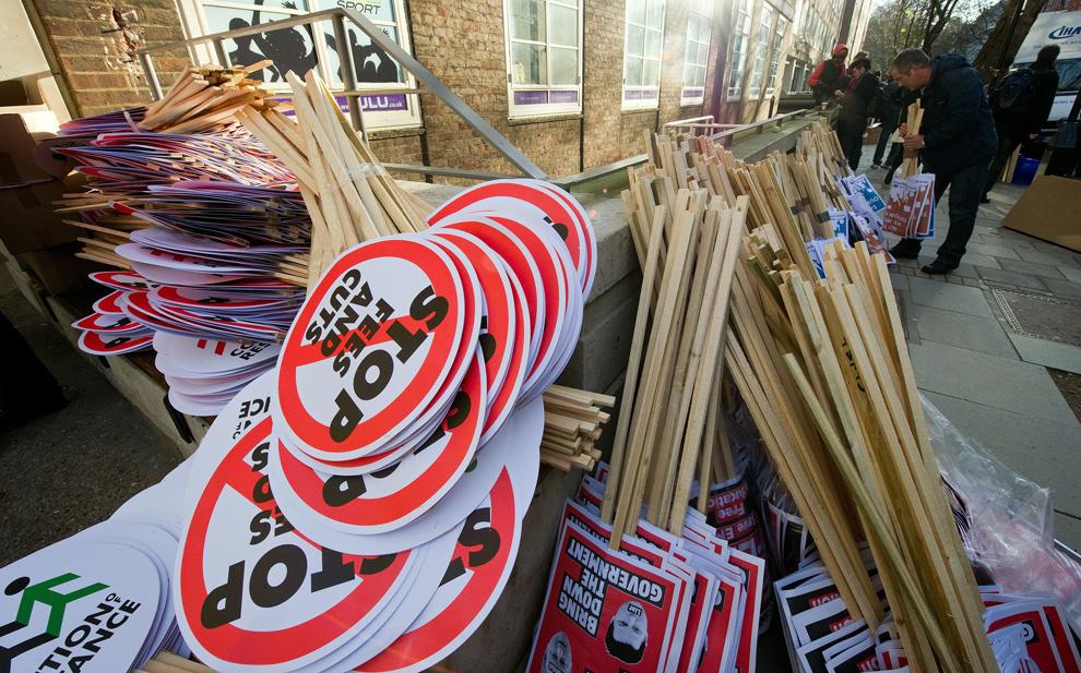 l02 2626 Студенческие акции протеста в Лондоне