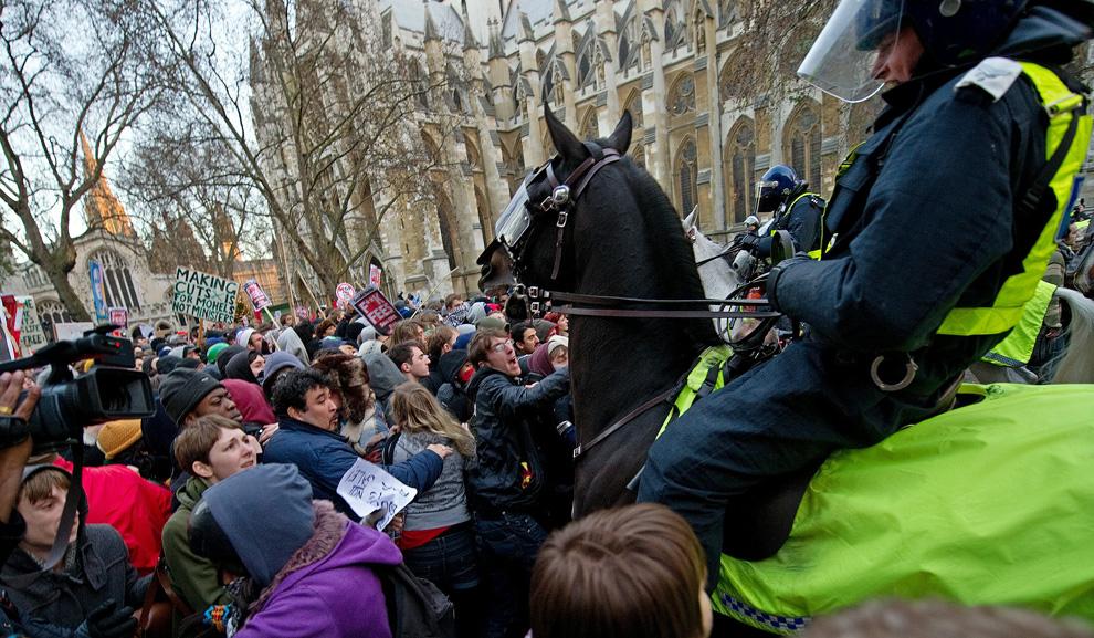 l07 2626 Студенческие акции протеста в Лондоне