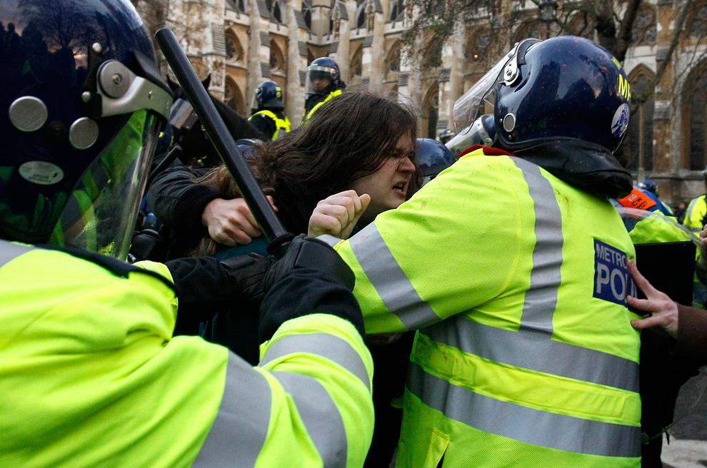 l08 2626 Студенческие акции протеста в Лондоне