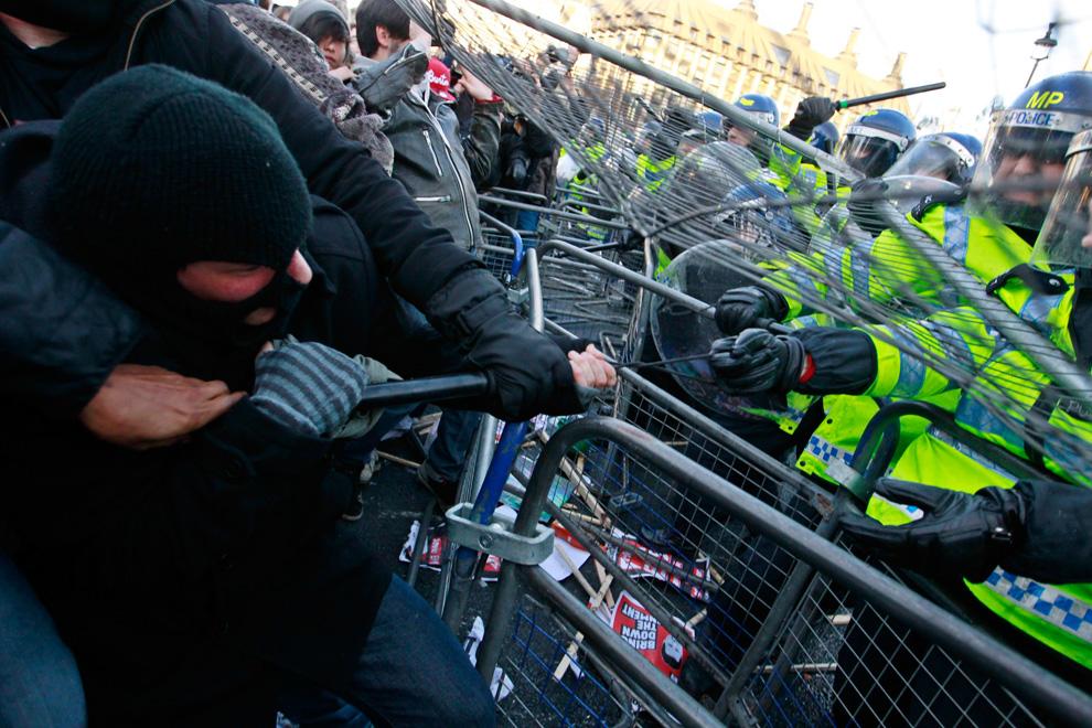 l10 2626 Студенческие акции протеста в Лондоне