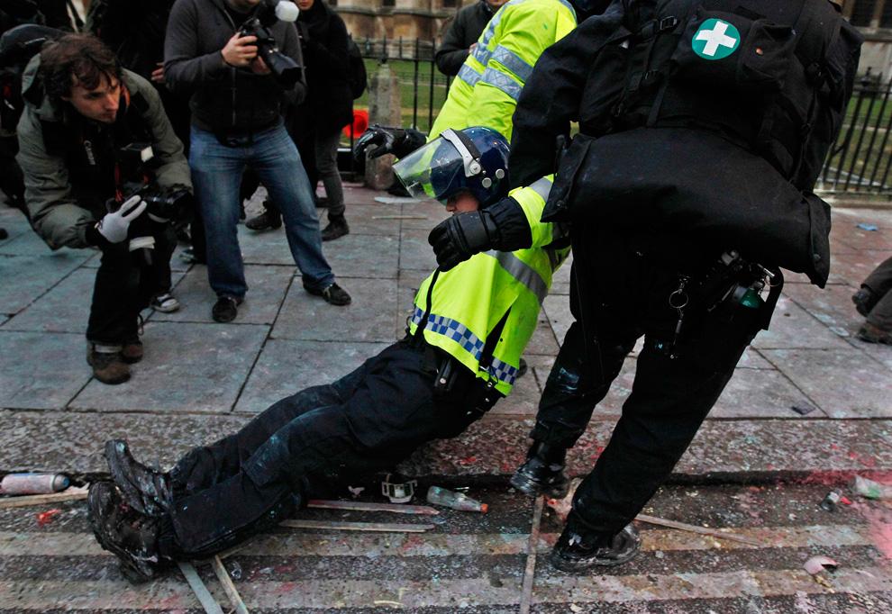 l13 2626 Студенческие акции протеста в Лондоне