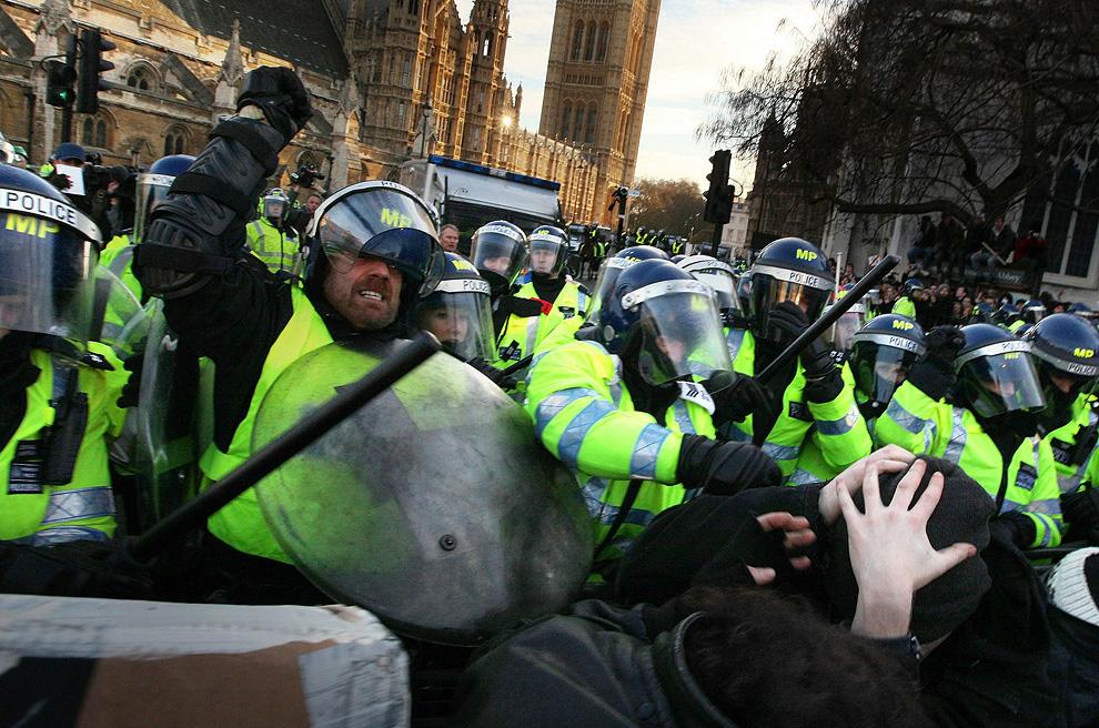 l14 2626 Студенческие акции протеста в Лондоне