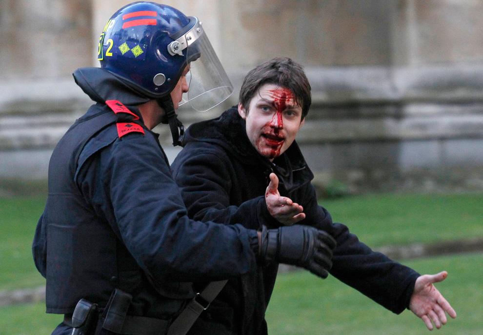l15 2626 Студенческие акции протеста в Лондоне