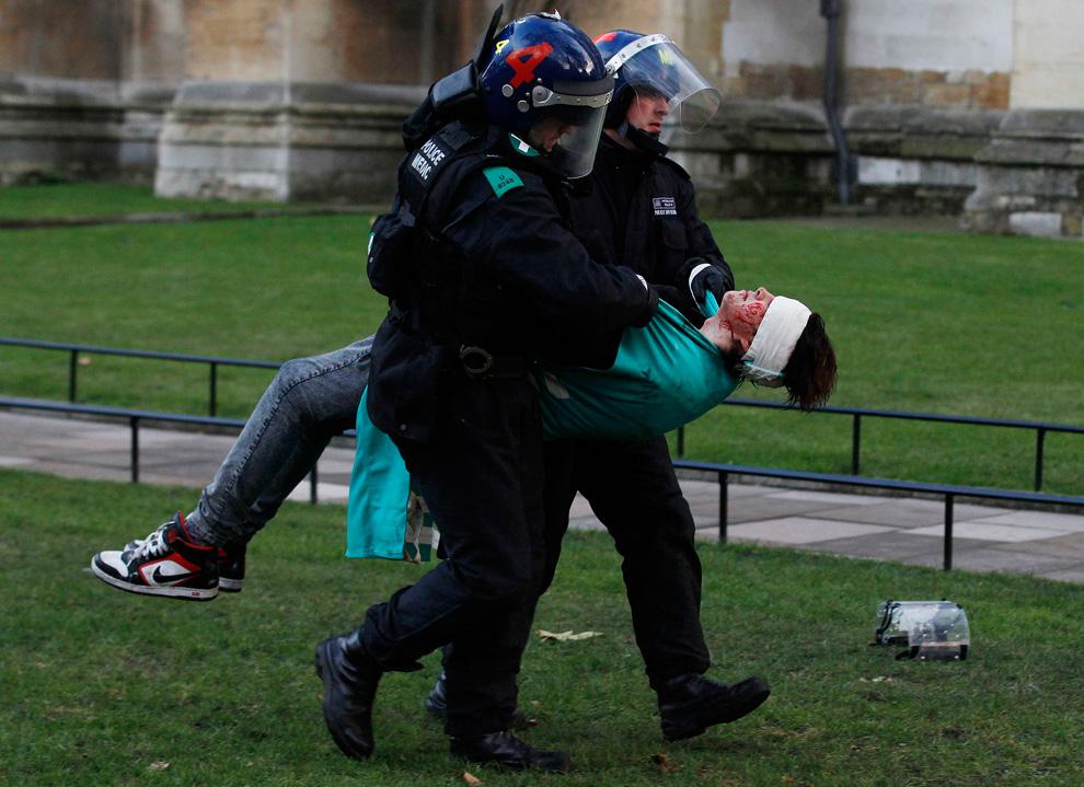 l18 2626 Студенческие акции протеста в Лондоне