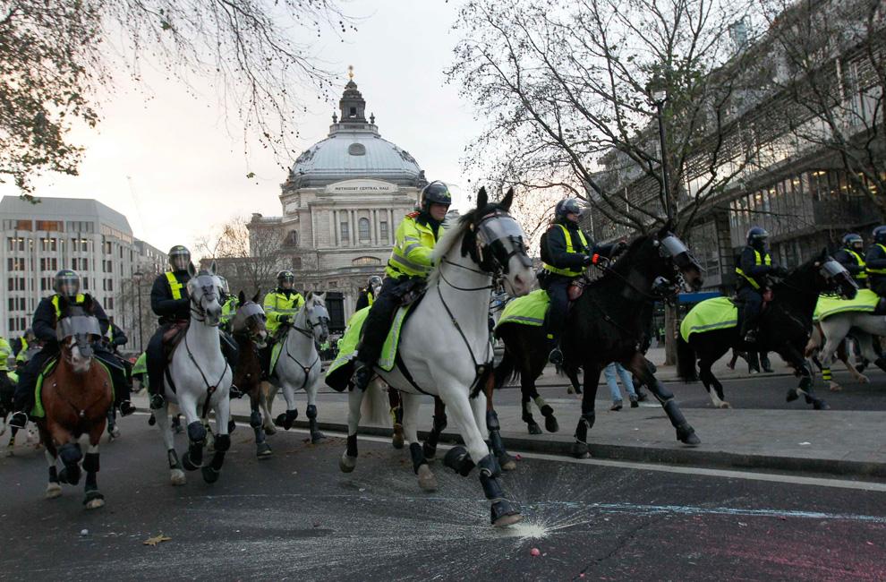 l19 2626 Студенческие акции протеста в Лондоне