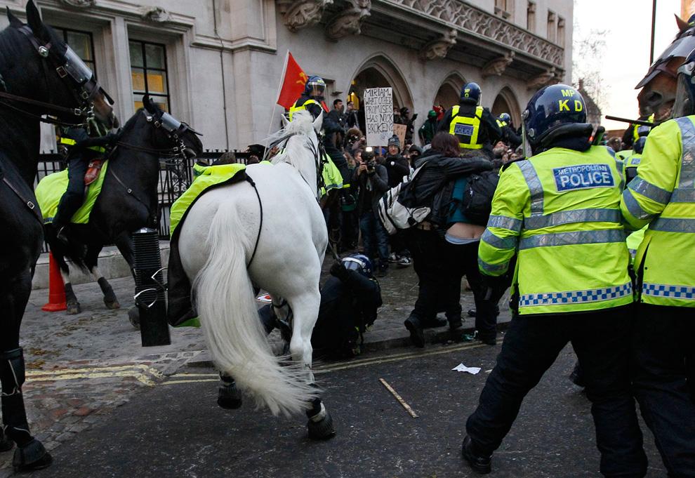 l20 2626 Студенческие акции протеста в Лондоне