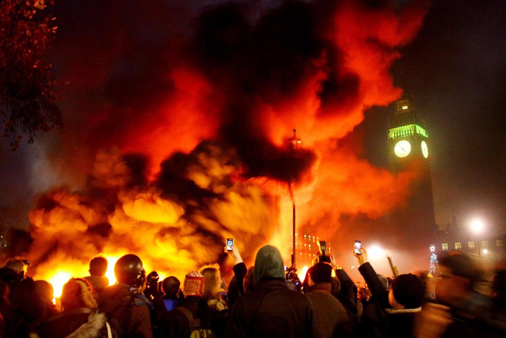 l23 2626 Студенческие акции протеста в Лондоне